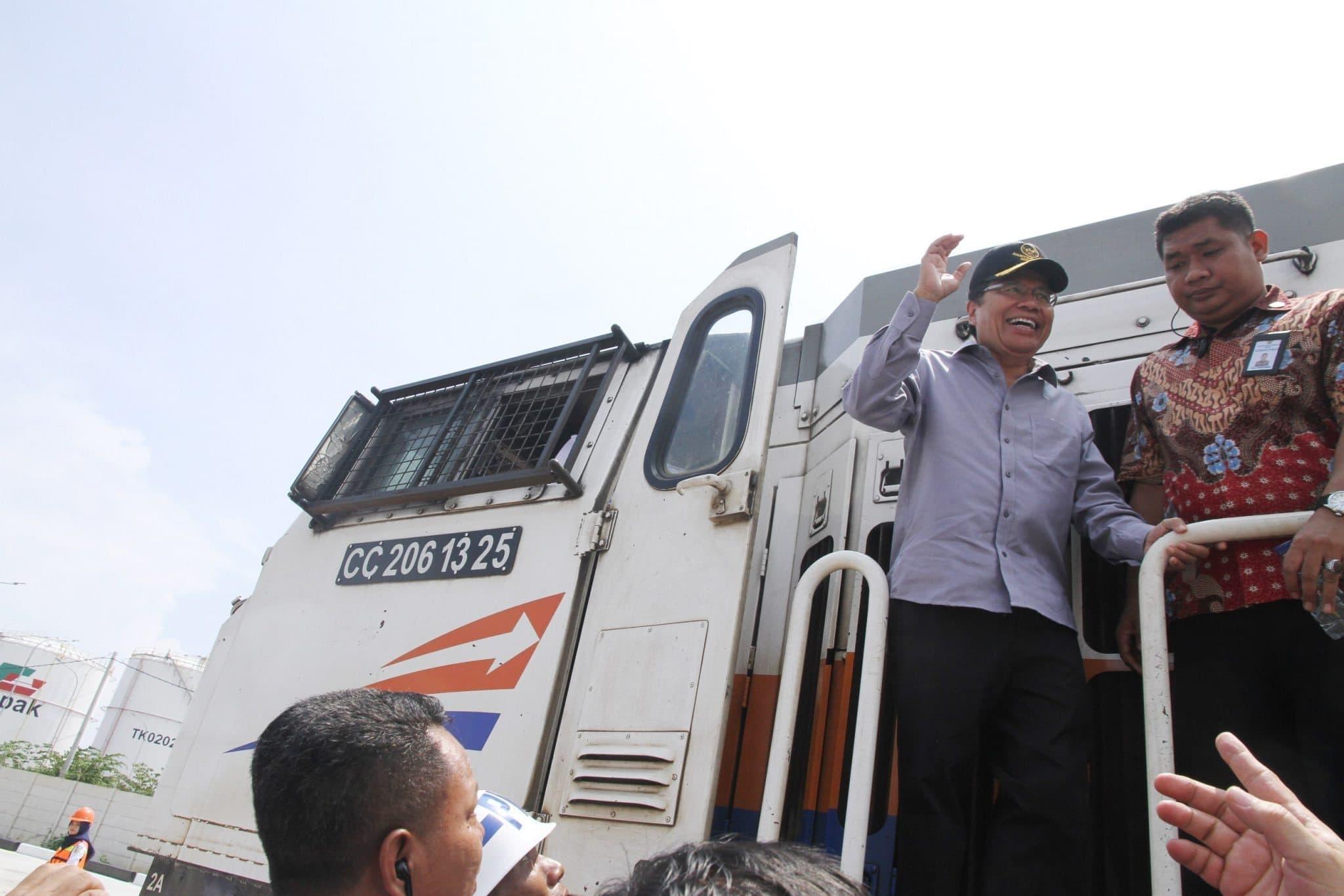 """Tinjauan Menko Rizal """"Try Out"""" Kereta Api Logistik"""