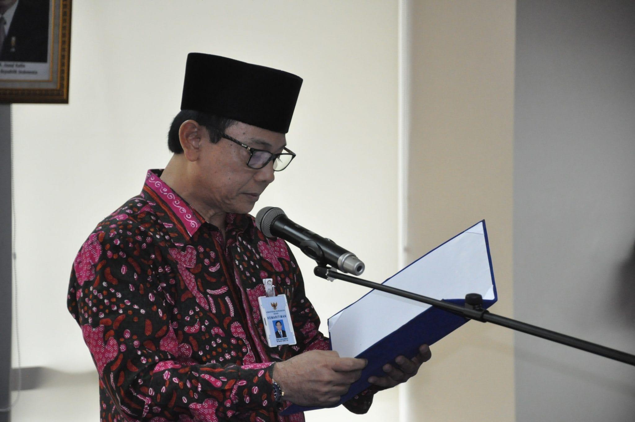 5.Sesmenko maritim dan sumber daya Asep D Muhammad melantik pejabat eselon III dan IV lingkup kantor menko maritim pada hari Senin 15-2-2016
