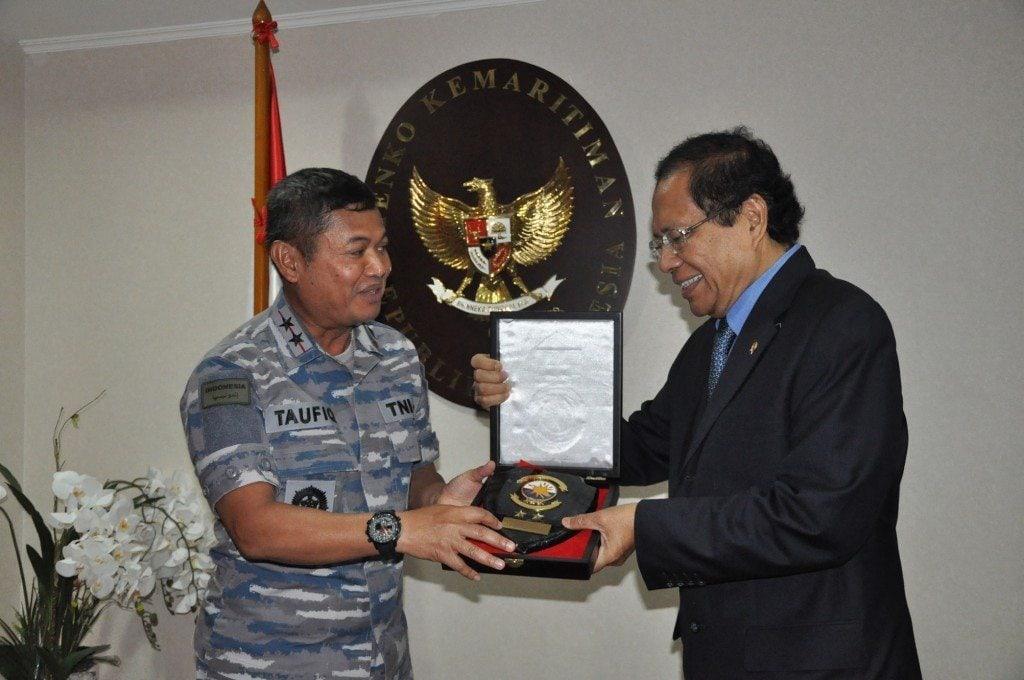 Rizal Menerima Kunjungan Panglima Armabar TNI AL