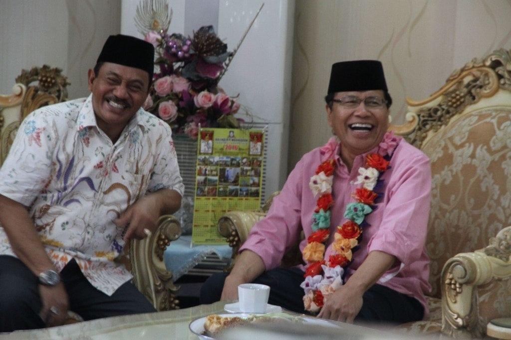 Penyambutan Rizal Ramli oleh Bupati Gorontalo