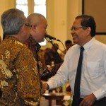 1.Menko Maritim dan Sumber Daya Rizal Ramli dan Gub Sumsel Alex Nurdin ketika memasuki ruang rakor di Istna Bogor.