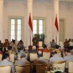 10.Presiden RI Jokowi pimpin rakor dan memberikan arahan kpd Gubernur,Kapolda,dan Kejaksaan Negeri danTinggi seluruh Indonesia di Istana Bogor 24-8-2015