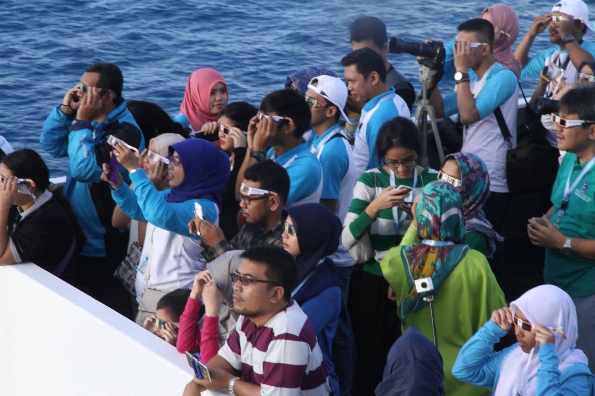 Ekspedisi Maritim Gelar Sholat Gerhana di Atas Kapal