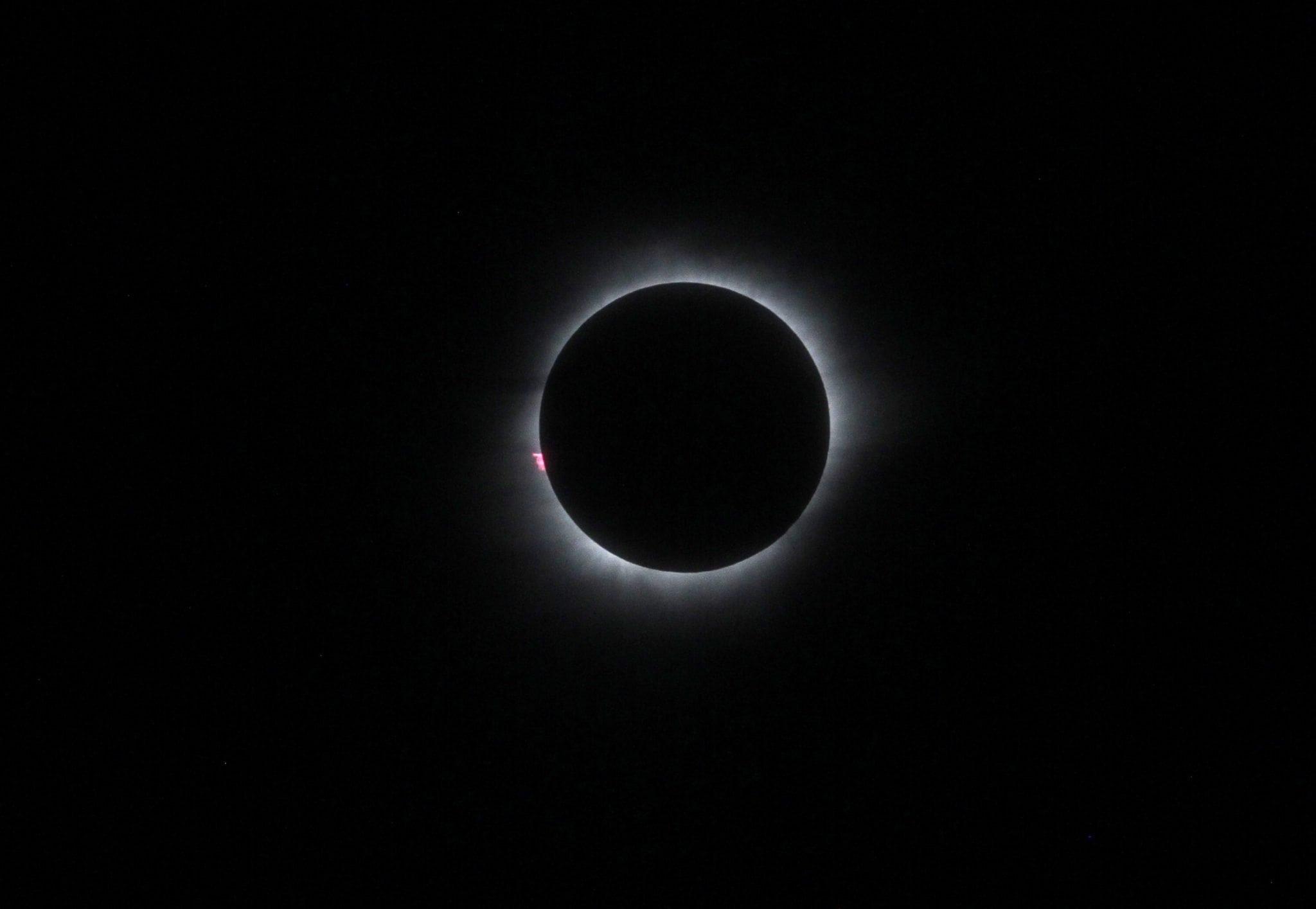 Kolase Fenomena Gerhana Matahari Total 2016