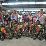 5Menko Maritim dan Sumber Daya Rizal Ramli (tengah) menyambut Sabar Gorki Dan Marinir Tim Ekspedisi Pendaki Puncak Carzten di Papua setibanya di Bandara Soeta