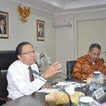 6.Menko Maritim dan Sumber Daya Rizal Ramli (kiri) dan Mentri Pariwisata Arief Yahya pimpin rakor membahas bebas visa kunjungan wisata ke Indonesia