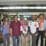 7.Menko Maritim dan Sumber Daya Rizal Ramli (3 kiri) menyambut Sabar Gorki Dan Marinir Tim Ekspedisi Pendaki Puncak Carzten di Papua setibanya di Bandara Soeta