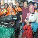 9.Menko Maritim dan Sumber Daya Rizal Ramli (tengah) menyambut Sabar Gorki Dan Marinir Tim Ekspedisi Pendaki Puncak Carzten di Papua setibanya di Bandara Soeta