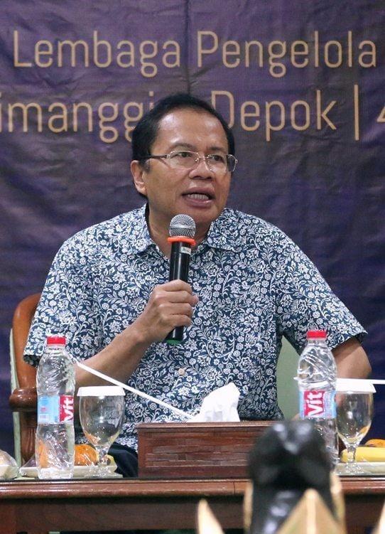 Menko Rizal Hadiri Penerimaan Beasiswa