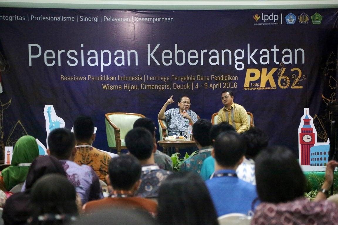 Rizal Ramli Memberi Motivasi Kepada Penerima Beasiswa LPDP