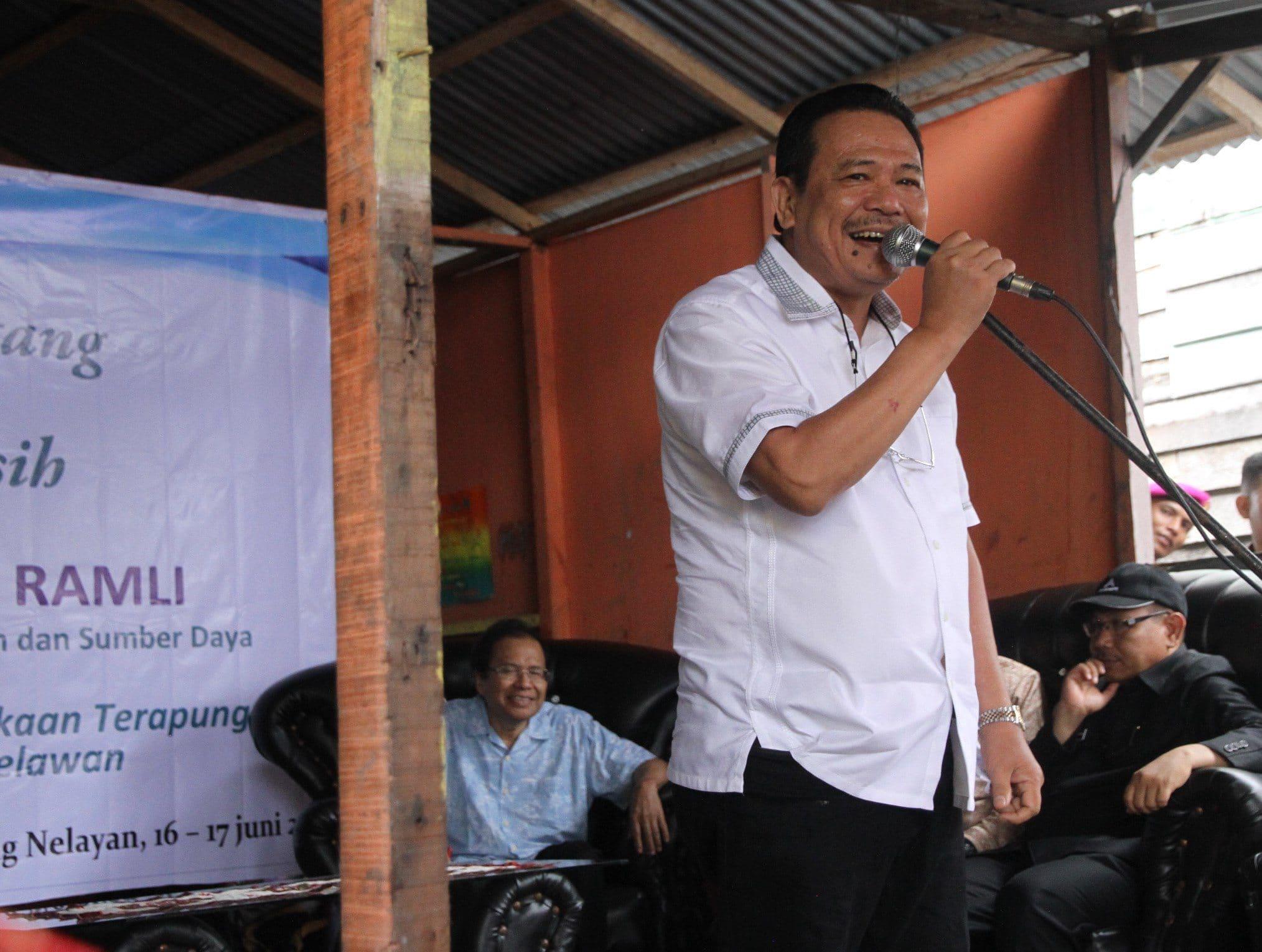 Otto Hasibuan Bangga dengan Orang Tua Kampung Apung Nelayan Belawan