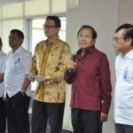 2. Menko Maritim memberikan sambutan pada halal bil halal pegawai di kantor menko