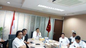 Rakor Penyelesaian Jalan Perbatasan Kalimantan dan Izin Penggunaan Kawasan Hutan dihadiri oleh Deputi 3 Bidang Koordinasi Infrastruktur Kemenko Maritim, Perwakilan KemenKLHK, dan perwakilan KemenPUPR, Jakarta (15/8).