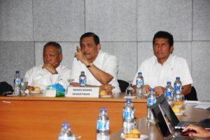 Menteri Koordinator Bidang Kemaritiman Luhut B Pandjaitan pimpin rapat koordinasi di dampingi oleh Menteri PUPR dan Menpan RB, Tobasa 20 Agustus 2016