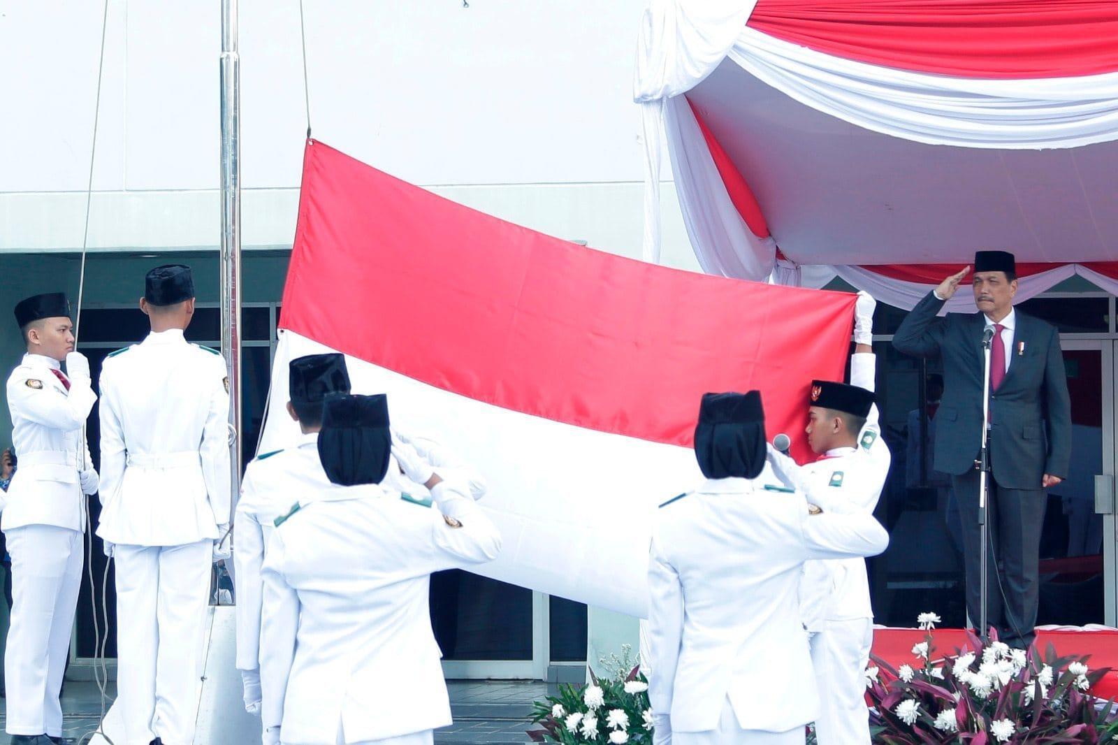Menko Maritim sebagai Inspektur Upacara Peringatan HUT RI ke-71