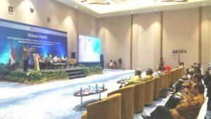 Menteri Koordinator Bidang Kemaritiman Luhut B. Pandjaitan memberikan keynote spech nya dalam rapat Koordinasi Pemerintah Pusat, Pemerintah Daerah dan Bank Indonesia dalam membangun infrastruktur maritim untuk mendukung pertumbuhan ekonomi yg berkelanjutan di Batam 12 Agustus 2016