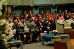 Menteri Koordinator Bidang Kemaritiman Luhut B. Pandjaitan menghadiri undangan penganugerahan perekayasa utama kehormatan (PUK) yg di berikan kepada Prof.Dr.Ir. Indroyono Soesilo di Jakarta 3 agustus 2016