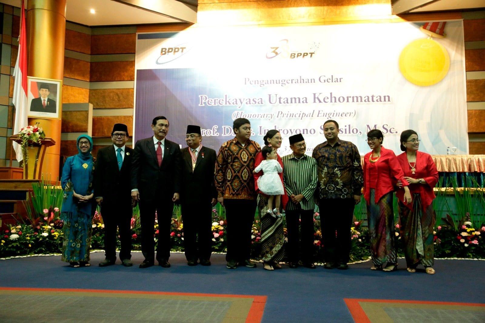 Menko Luhut B. Pandjaitan menghadiri Penganugeraha Perekayasa Utama Kehormatan (PUK) 2016