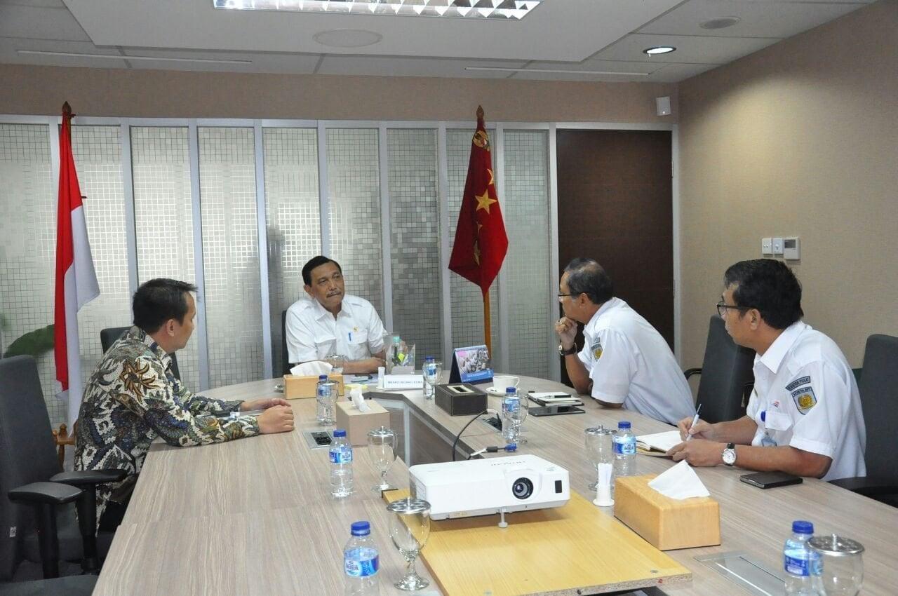 Menko Luhut Rapat Koordinasi dengan PT. KAI