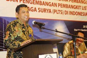 Deputi Bidang Koordinasi Sumber daya Alam dan Jasa Agung Kuswandono memberikan keynote speech nya pada saat acara Rapat Koordinasi Rencana Pembangunan dan Pengembangan Pembangkit Listrik Tenaga Surya di Hotel Seraton Bandara, 20 September 2016