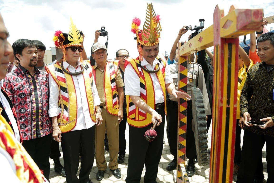 Menko Maritim Luhut B. Pandjaitan Resmi Membuka Pesta Ya'Ahowu di Nias Selatan