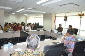 Menteri Koordinator Bidang Kemaritiman Maritim Luhut B Pandjaitan hari Jumat (9/9) berikan pengarahaan kepada pejabat eselon 1.2 dan 3 lingkup Kemenko Kemaritiman di kantor Menko, 9 September 2016