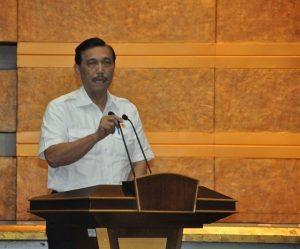 Menteri Koordinator Bidang Kemaritiman Luhut B. Pandjaitan memberikan keynote speech nya di acara pencanangan zona integritas di kantor menko Maritim Kamis, 15 September 2016