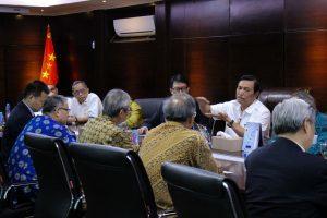 Menko Luhut B. Pandjaitan meeting bersama Delegasi CPIFA (Chinese People's Institute of Foreign Affairs) (Req.Bu Clara Juwono) di Kantor Maritim. CPIFA: Lembaga pengkajian politik luar negeri yg tertua di China didirikan oleh PM Zhou Enlai (24/11)