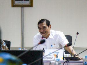 Menko Luhut Rapat Paripurna Tingkat Menteri Mengenai Pembangunan Pelabuhan Patimban dan Kereta Semi Cepat Jakarta Surabaya di Kantor Maritim, Jakarta (10/11)