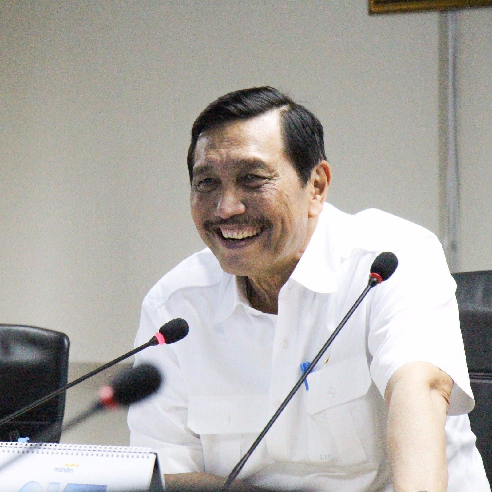 Menko Luhut Rapat Paripurna Tingkat Menteri Mengenai Pembangunan Pelabuhan Patimban dan Kereta Semi Cepat Jakarta Surabaya di Kantor Maritim