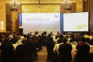 Menko Luhut saat menjadi Pembicara Utama pada Invesment and Economic Roundtable 2016 (dari Deutsche Bank). Di Grandballroom C , Hotel Indonesia Kempinski, Jakarta (3/11)