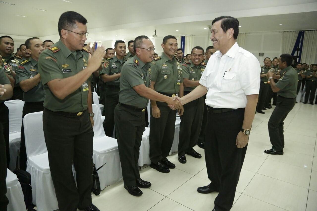 Menko Maritim Luhut Pandjaitan Berikan Pengarahan Kepada Dandim dan Danrem se-Indonesia di Secapa TNI AD Bandung