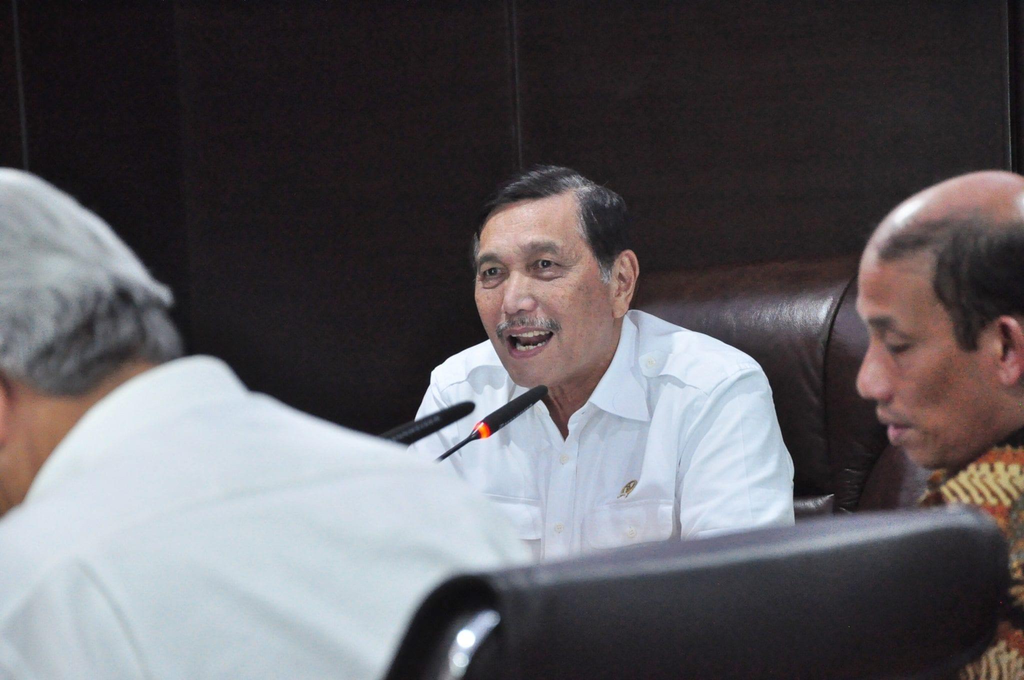Menko Luhut B. Pandjaitan Rapat Mengenai Harga Gas, Harga Minyak Mentah untuk Mini Refinery, & Pelarangan Ekspor Konsentrat Tembaga.