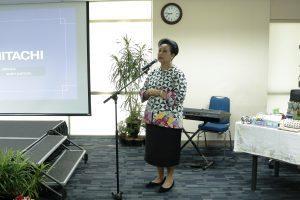 Penasehat DWP Kemenko Maritim, Ibu Devi Pandjaitan memberikan sambutan pada acara Workshop Pengolahan Sampah Rumah Tangga, di Kantor Kemenko Maritim, Jakarta (01/12).