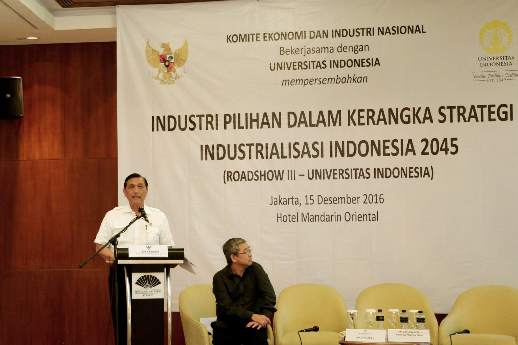 Menko Maritim Luhut B. Pandjaitan saat menjadi Narasumber dalam acara FGD Pilihan Industri KEIN di Hotel Mandarin Oriental, Jakarta (15/12)