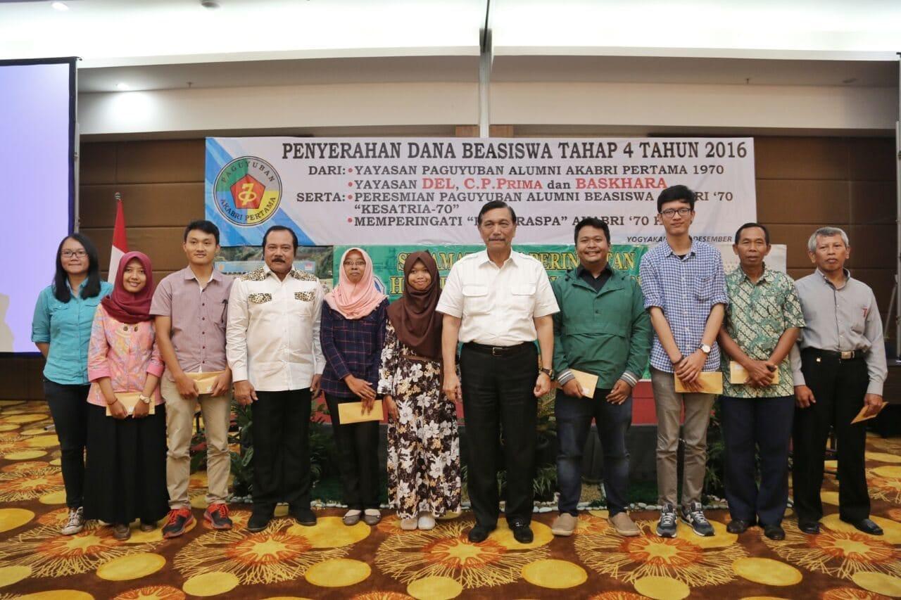 Menko Luhut: Indonesia Jalin Kerja Sama Dengan Singapura