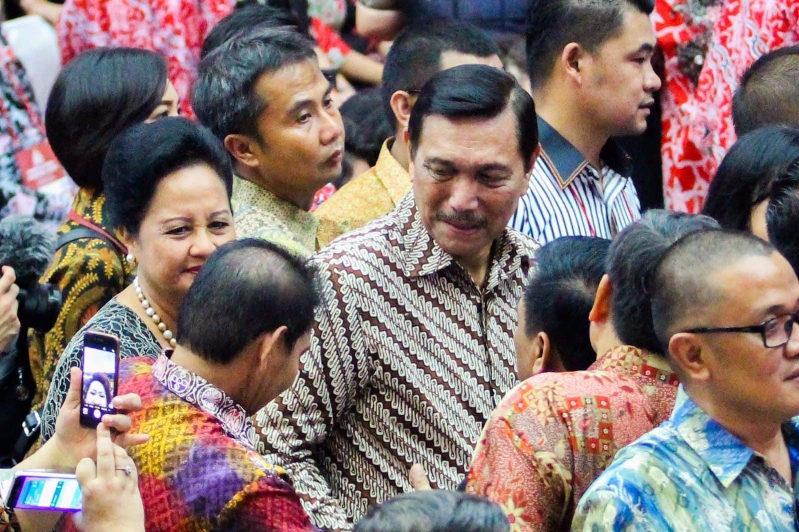 Menko Luhut B. Pandjaitan menghadiri Natal Nasional 2016 di Gedung Wale Ne Tou, Tondano, Sulawesi Utara.