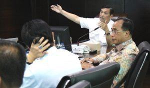 Menko Luhut B Pandjaitan Pimpin Rakor Pembiayaan LRT Jabotabek di Kantor Kemenko Bidang Kemaritiman. (11/1)