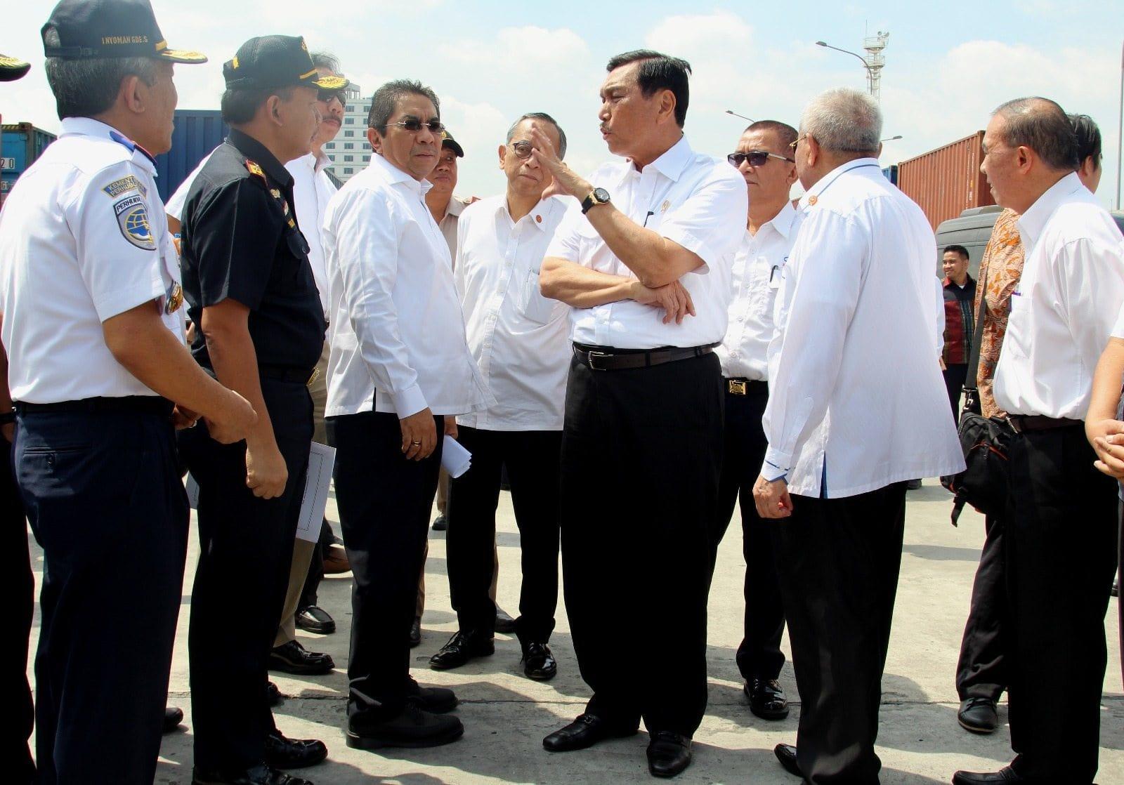 Menko Luhut Kunjungan Kerja ke Pelabuhan Indonesia II (Pelindo II)