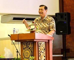 Menteri Koordinator Bidang Kemaritiman Luhut B Panjaitan berkunjung dan memberikan Kuliah Umum di Universitas Udayana di Bali (30/12)