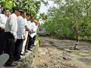 Menteri Koordinator Bidang Kemaritiman Luhut B Pandjaitan Tinjau Lokasi Rencana Pengembangan Integrated Port Wai Tulehu di Ambon