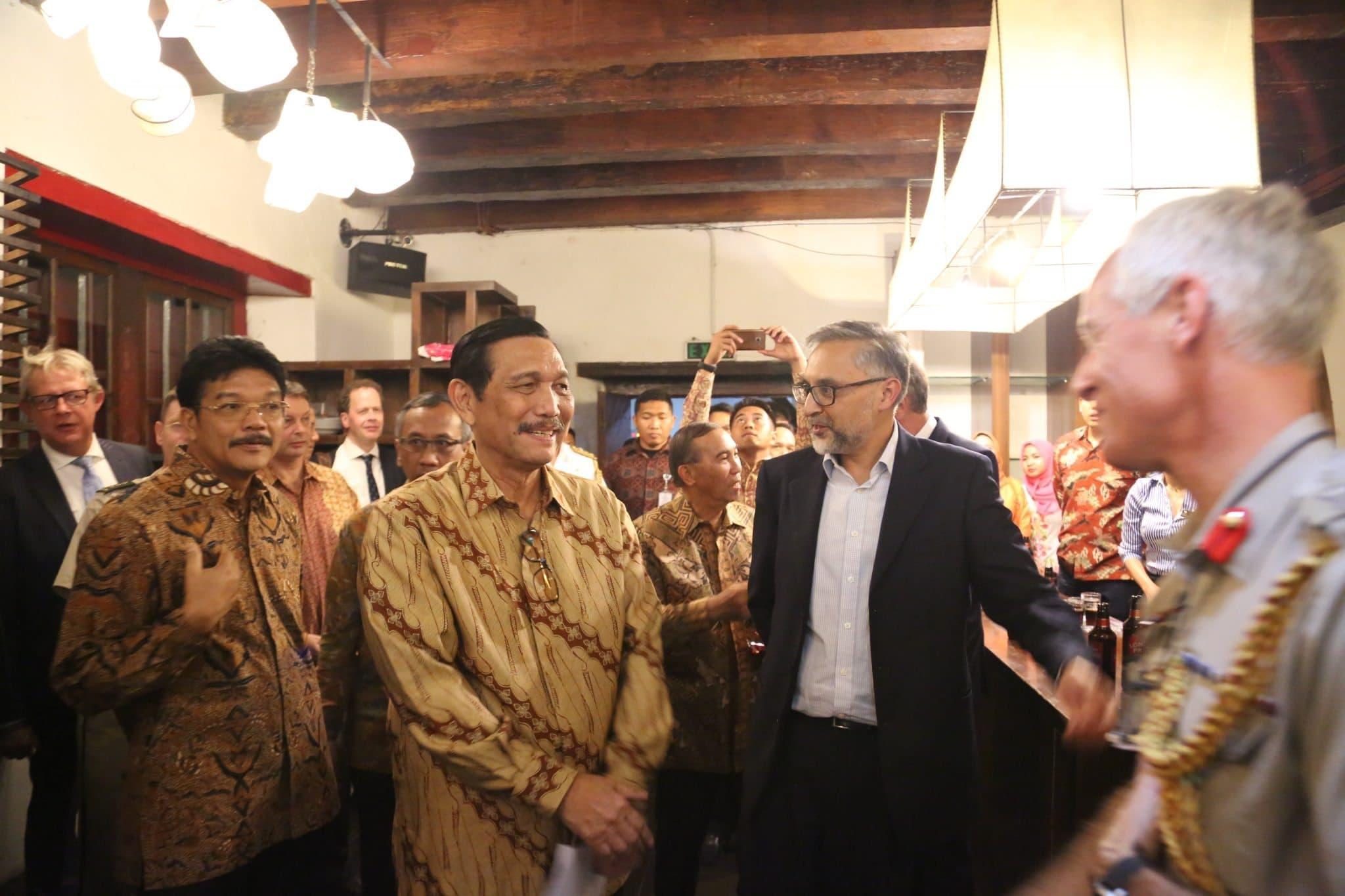 Menko Maritim Luhut B Pandjaitan saat menghadiri pembukaan Eksibisi Budaya Maritim Indonesia – Inggris di Museum Bahari