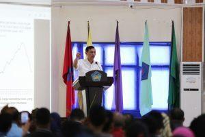 dalam kunjungannya ke ambon Menko Bidang Kemaritiman Luhut B Pandjaitan meninjau dan memberikan kuliah umum di Universitas Pattimura Ambon (8/2)