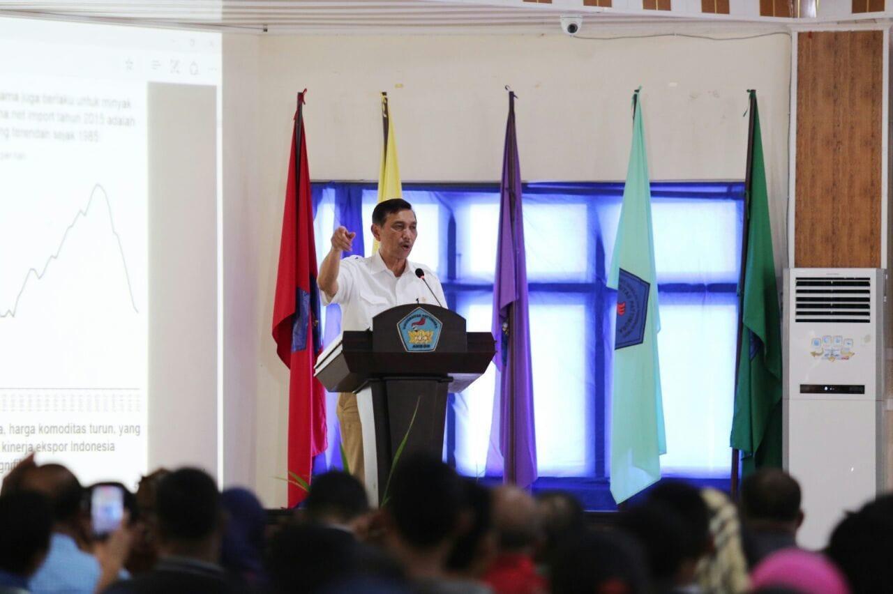Menko Luhut memberi Kuliah Umum di Universitas Pattimura di Ambon
