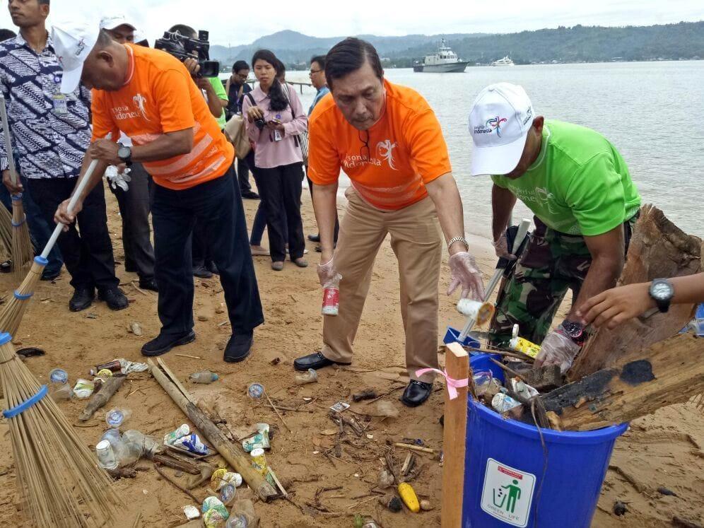 Menko Luhut Hadiri acara Gerakan Sadar Wisata dan Aksi Sapta Pesona 2017 di Ambon