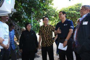 Menteri Koordinator Bidang Kemaritiman Luhut B Pandjaitan bersama Menteri LHK Siti Nurbaya menghadiri agenda dalam rangka pencanangan Global Campaign on Clean Sea di Bali pada Rabu,23 Februari 2017.
