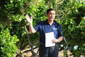 Menteri Koordinator Bidang Kemaritiman Luhut B Pandjaitan memberikan sambutan dalam rangka pencanangan Global Campaign on Clean Sea di Bali pada Rabu,23 Februari 2017.