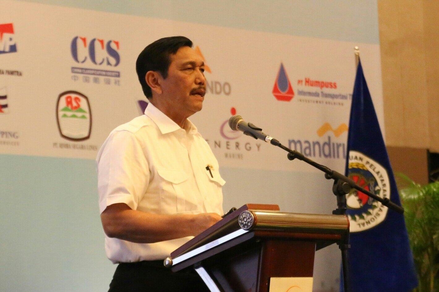 Menko Luhut B. Pandjaitan menjadi pembicara pada acara Forum Nasional INSA 2017 di Makassar