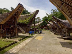 Tim khusus Kemenko Maritim menindaklanjuti arahan Wakil Presiden Republik Indonesia menjadikan Toraja sebagai destinasi kawasan strategis pariwisata nasional ke-11, Objek Wisata Londa Tanah Toraja (07/02)