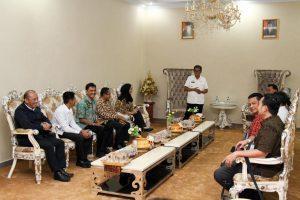 Tim khusus Kemenko Maritim menindaklanjuti arahan Wakil Presiden Republik Indonesia menjadikan Toraja sebagai destinasi kawasan strategis pariwisata nasional ke-11, Rumah Dinas Bupati Tanah Toraja (07/02)